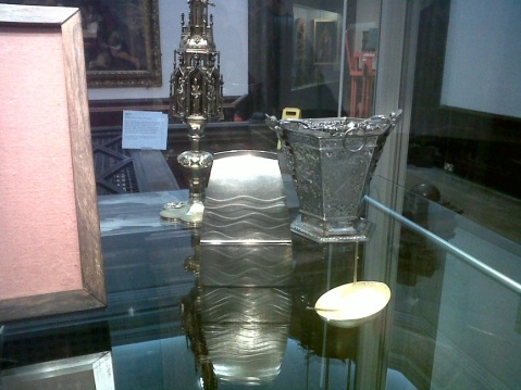 Adrian Hope's Reliquary for a Traveller in the display case